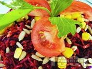 Рецепта Витаминозна салата с червено цвекло, моркови, зеле и царевица